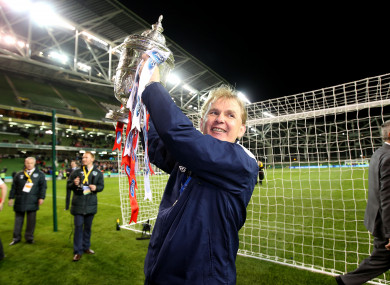 Liam Buckley lifts the FAI Cup at the Aviva Stadium in 2014.