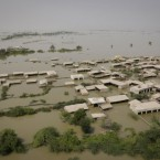 An aerial view shows a flooded area of Chuhar Jamali, Sindh province, southern Pakistan, 1 September, 2010. The floods have receded in parts of north and central Pakistan  but are continuing in the south. (AP Photo/Vincent Thian)<span class=