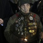 WWII veteran Lev Yatsevich marks the 70th anniversary of the Nazi invasion of the Soviet Union, in Moscow (AP Photo/Sergey Ponomarev)