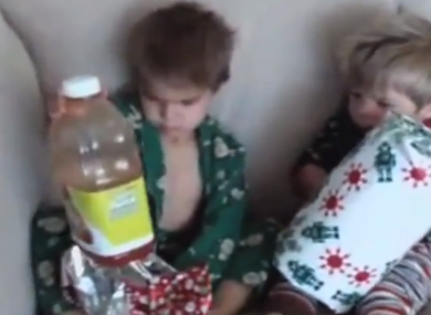 Jimmy Kimmel Christmas.Watch American Kids React To Terrible Christmas Presents