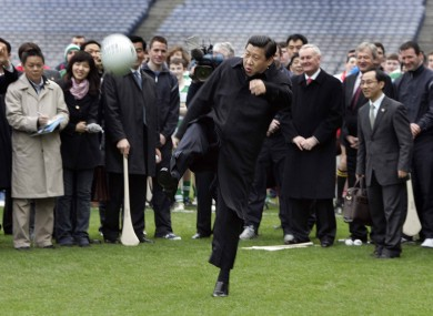He didn't tog out, but Chinese vice-president Xi Jinping still gave the ball a fair old whack at Croke Park earlier today.