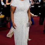 Octavia Spencer stayed loyal to designer Tadashi Shoji. 