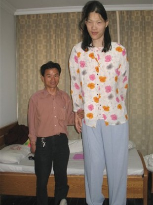 The tallest woman in the world dies · TheJournal.ie