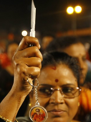 Amid rape fears, Indian party gives knives to women · TheJournal ie