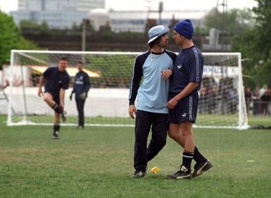 Liam Gallagher and Damon Albarn in 1996