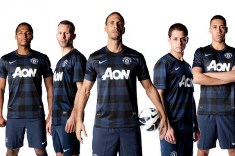 best loved cd114 0bbe8 Man United launch new black and navy check kit · The42