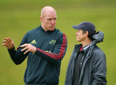 Ireland captain Paul O'Connell chats to Les Kiss at a Munster training session in 2012.