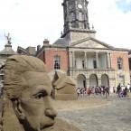 Einstein looking onto Dublin Castle. <span class=