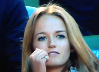 Lip-readers wanted: What is Andy Murray's fiancee saying? · The42