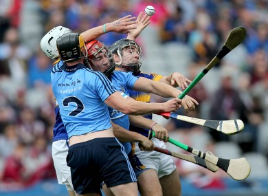 Dublin and Tipperary players battle for possession.