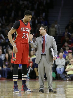 be4c4e03b56 New Orleans Pelicans forward Anthony Davis (23) talks with assistant coach  Darren Erman.
