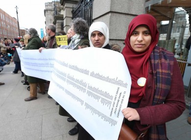 Pictured are (LtoR) Omaima, Fatima and Somaia Halawa with the Minister Katherine Zappone outside Leinster House this evening.