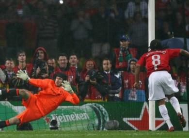 Anderson scores past Petr Cech.