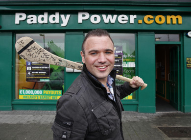 Paddy power love hate betting sites football quarters betting game