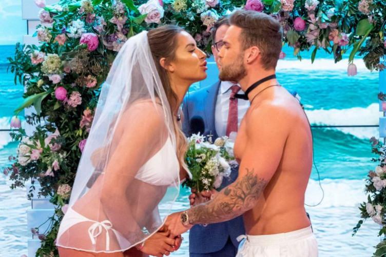 Love Island S Jess Shears Clarified That Her Wedding On Good Morning Britain Was A Joke After It Slammed Twitter
