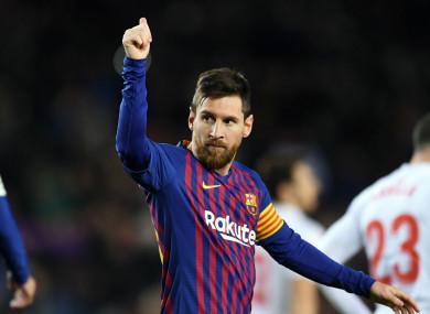 Lionel Messi celebrates his 400th LaLiga goal
