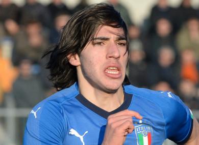 Sandro Tonali in action for Italy's U19s.