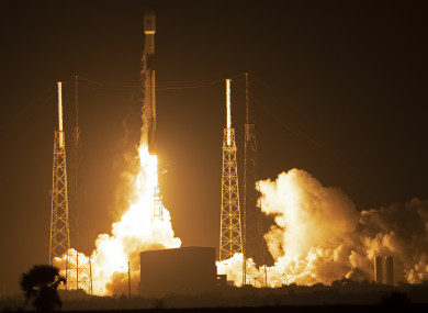 A SpaceX Falcon 9 rocket lifting off in Florida with the lunar lander Beresheet on board