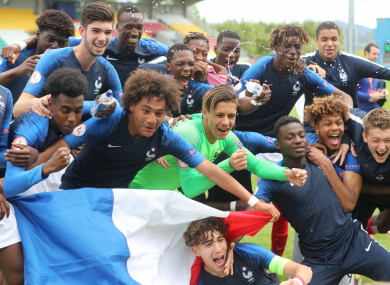 France players celebrate their victory.