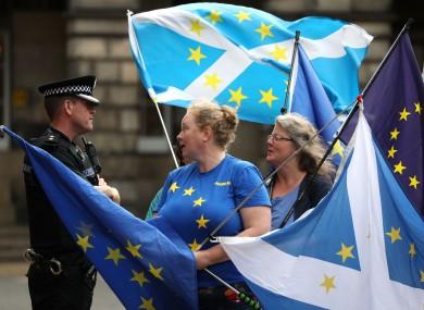 Pro-EU demonstrators outside the Court of Session in Edinburgh ysesterday.