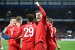 Robert Lewandowski celebrates against Chelsea.