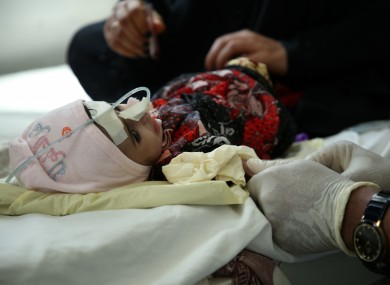 A nurse draws blood from a child in a hospital run by MSF in Yemen (file photo).