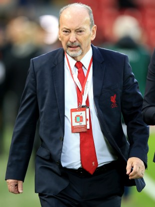 Liverpool chief executive Peter Moore will step down at the end of next month.