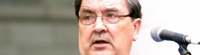 John Hume's family ask public to 'light a candle for peace' tonight