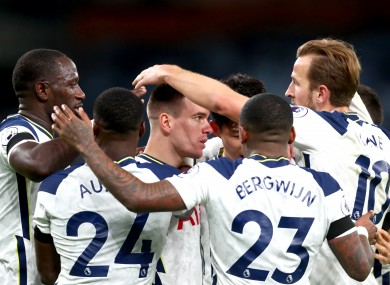 Tottenham Hotspur's Giovani Lo Celso (centre) celebrates with his teammates after scoring.