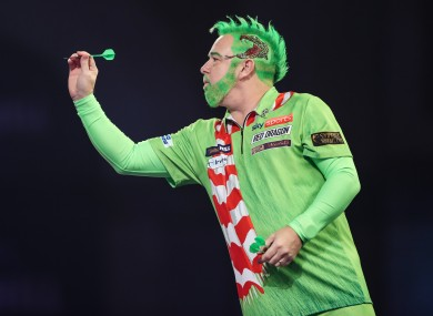 Snakebite x The Grinch: Peter Wright was in the festive spirit.