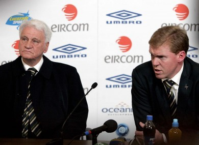 Bobby Robson pictured with Steve Staunton at a 2007 press conference.