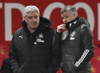 Steve Bruce chats to the United boss before kick-off last night.