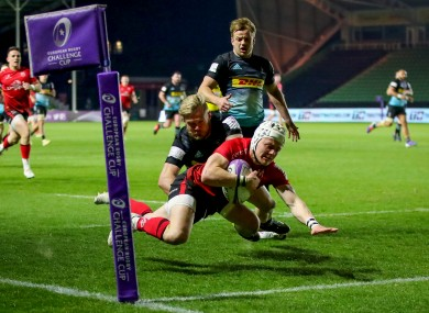 Michael Lowry scores a try.