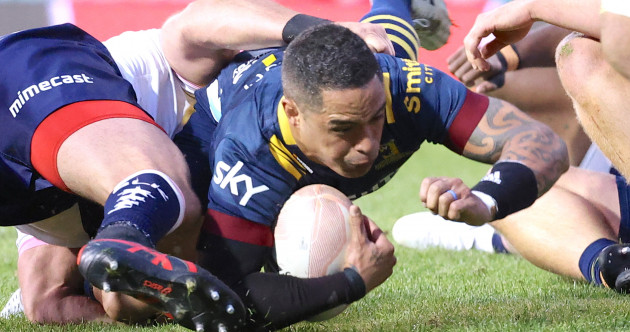 Highlanders heartbreak as Smith comes up inches short in last-second dive for bonus point