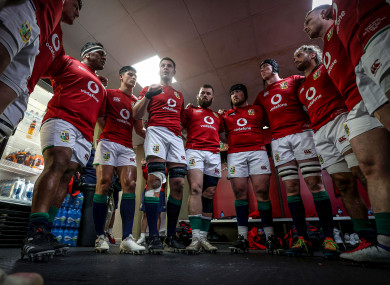 Henderson speaks to the Lions before their clash with the Sharks.